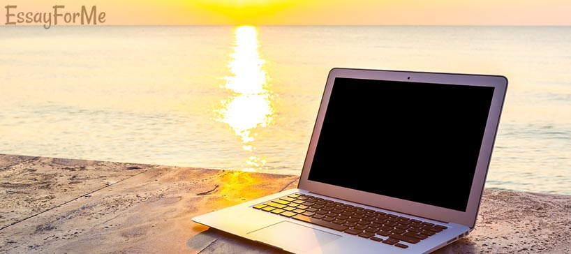 Sea and Laptop